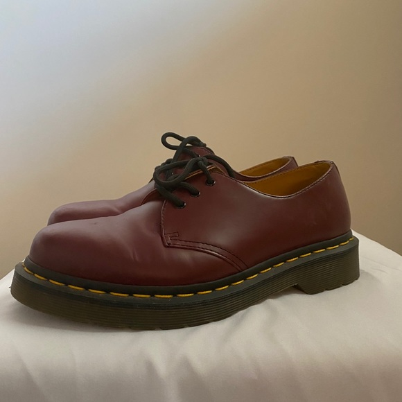 DR. MARTENS 1461 OXFORD SHOES IN BURGUNDY